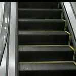 Man loses pants in escalator mishap at rail station http://t.co/b4z2NNsa2o http://t.co/Df1QnhYeaN