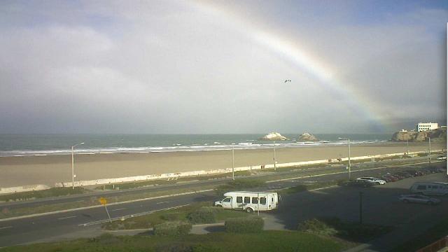 I Spy a #Rainbow off #SF Ocean Beach! #Pretty! http://t.co/cme8cn1dNu