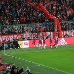 Ecke #Robben, Kopfball #Fußballgott, @BSchweinsteiger: TOR! #FCBKOE 1-0 (4) http://t.co/tG7tmRZTEg