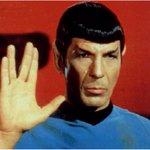 Última hora: Falleció Leonard Nimoy, el famoso Sr. Spock de Viaje a las Estrellas. [Avance] http://t.co/VnUcl0BEKh