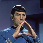"""@expresionesec: #ATENCIÓN Falleció, a los 83 años, Leonard Nimoy, el Spock de #StarTrek. http://t.co/VGa1A9uGs5""nooooooooooooooooo :("