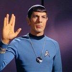 """Muere Leonard Nimoy, el legendario señor #Spock de """"Star Trek"""". http://t.co/D6ItdlL1vQ"""