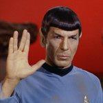 E morto Leonard Nimoy http://t.co/82oFgd0MCS Addio al signor Spock di #StarTrek http://t.co/eFEdyxDpfM