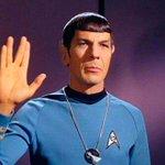 "Muere Leonard Nimoy, el legendario señor Spock de ""Star Trek"". http://t.co/IcyZm3cVLa http://t.co/381Bsj1hbr"