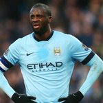 If Yaya says its blue and black, its blue and black! - City stars examine #TheDress http://t.co/H4dI0LNnce http://t.co/arw0xoTz67