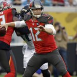 The Browns have a new quarterback, agreeing to terms with Josh McCown. http://t.co/1k602uxk7K