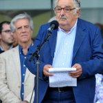 """""""No me voy, estoy llegando"""". Discurso completo de Mujica en Plaza Independencia. FOTOS Y VIDEO http://t.co/lTOFwV0cfv http://t.co/Eu7SWtbAmX"""