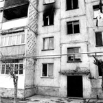 Apartments of Armenians burnt in #Sumgait massacre of Armenia|ns by violent #Azerbaijan gangs, FEB27/29 1992 #NKpeace http://t.co/ZHIHPXcYht