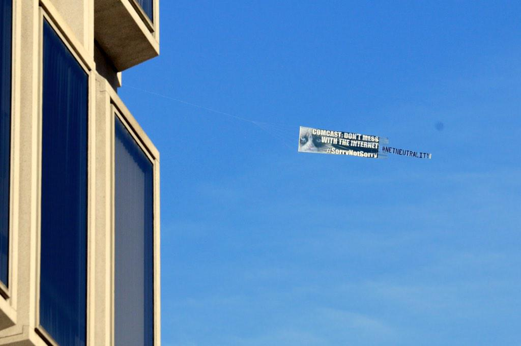 #NetNeutrality victory! Grumpy Cat flies over @Comcast HQ to say Don't Mess with the Internet! http://t.co/EHHGHQWLcc http://t.co/SSjnHDx8At