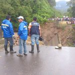 ABC instalará puente metálico para reponer tráfico entre Cochabamba y Santa Cruz http://t.co/ASfK9Yiw18 http://t.co/SH2gcL9rgU