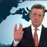 RT @ZDF: .@ClausKleber verabschiedet sich im @heutejournal mit #Spock-Gruß von Leonard Nimoy. http://t.co/8OH70JSpi6