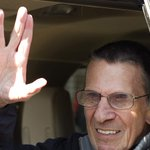 NASA and President Obama have paid tribute to the actor Leonard Nimoy, who has died aged 83 http://t.co/KniuOF8jks http://t.co/EIFfOI9jne