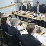 Estados Unidos y Cuba reabrirían embajadas antes de abril http://t.co/eqhCNltRsD (foto: AFP) http://t.co/7FW0JxMGBa