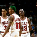 On this night in 1996, the @ChicagoBulls became the fastest team in pro sports history to reach 50 wins (50-6). http://t.co/L1DOVb4M0u