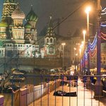 Russian opposition leader #BorisNemtsov gunned down in the streets of Moscow. http://t.co/WkHuHuLwzi http://t.co/uA3R29XRuC