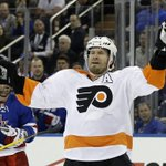 #Blackhawks acquire veteran D-man Kimmo Timonen from the Flyers for two picks. Quick story: http://t.co/bSbX3TL2Sj http://t.co/qxf2rt9He1