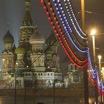 【New】プーチン政権を批判した野党指導者が暗殺される 元第一副首相のボリス・ネムツォフ氏(画像) http://t.co/wKBaMwzKx9 http://t.co/jhDTxqsTJj