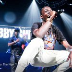 After rapper Bobby Shmurda was jailed, he thought his record label would help. They never did. http://t.co/Ssqw3L7zIq http://t.co/acPCy8f0fn