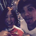 """@Louis_Tomlinson: Great shows so far in Japan ! Buzzing to see a fan in a Donny shirt haha !! http://t.co/bzQum5bcLW"" OMFG"
