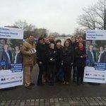 Belle équipe sur le marché du Blosne pour soutenir @YvesPelle et les candidats de #UniondelaDroiteetduCentre #rennes http://t.co/k3O61z3IwB
