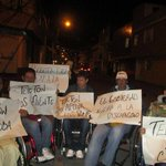 """Discapacitados mandan saludos a #TeletonColombia , a éstos no los llevan a la """"vitrina"""" http://t.co/voL2FJ43Bp"""