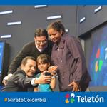 Colombianos a completar esas 10.000 selfies. ¡Vamos a compartir esas fotos! #MirateColombia http://t.co/cxNsQ9mONd http://t.co/asLrXVGjle