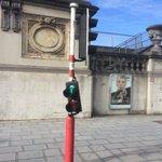 nouveaux feux à Bruxelles, hauteur variable. http://t.co/5uM15q61ie