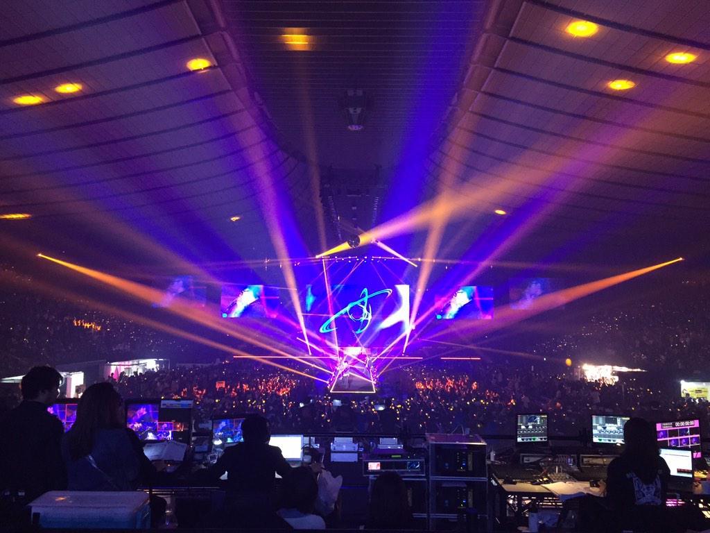 東京ガールズコレクション、ほとんどがビッグバンファンなのではないかという盛り上がり。 #TGC http://t.co/6sRW1neQ3y