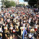 Descontentes, moradores resistem ao Carnaval de rua na Cidade Baixa, em Porto Alegre http://t.co/wEs8vTyGfH http://t.co/zf6FLDsQRA