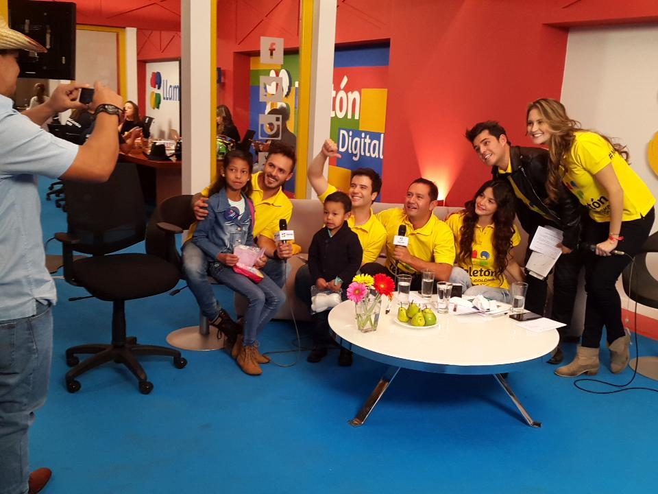 Vamos con toda por @TeletonColombia #MirateColombia http://t.co/fdKVf0mlH4