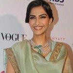 Actor Sonam Kapoor tests positive for swine flu http://t.co/U0a1odCiyn http://t.co/VZ2nRRSGdx