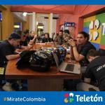 ¡Nuestro equipo de Twittertón no descansa! Aquí seguimos con las ganas, el compromiso y la entrega. #MirateColombia http://t.co/cxa45Yp0v8