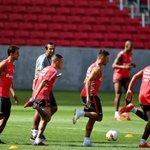 Com Aránguiz e Jorge Henrique ausentes em treino, Aguirre faz mistério para o Gre-Nal. http://t.co/7LKZORXpzB http://t.co/V5oxSGzMaJ