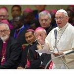 Papa critica que ofrezcan al mes 600 euros por 11 horas de trabajo. http://t.co/sfkwrvMESj http://t.co/sLTGceSOM8