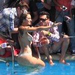 [Video] [Lo + Visto] Revive el piscinazo de Jhendelyn Núñez #Viña2015 http://t.co/vGqdkI8yma http://t.co/0Ldkm5gvc9