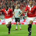 """Faz 111 anos que o Benfica nasceu na Farmácia Franco. Desde 2003 visto de corpo e alma o """"manto sagrado"""". Orgulho http://t.co/8C34x1SE3c"""