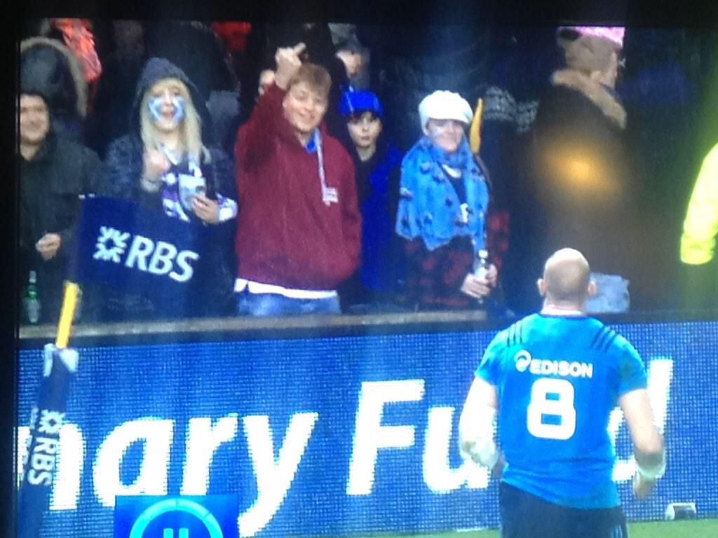 """@MissLJJ: Totally unacceptable behaviour. #yob http://t.co/u1cjw3DInN"" spot the complete idiot .. Doesn't belong in a rugby crowd"