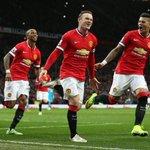 Wayne Rooney devient le 1er joueur de lhistoire à marquer + de 10 buts / saison en 11 saisons consécutives de PL ! http://t.co/Usy0GNg5Fg