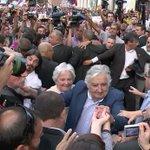 VÍDEO| Un Mujica agradecido apela a una vida de entrega y lucha en último discurso http://t.co/iMYaYOiufk http://t.co/3d94UGOpa5