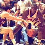 Anthony Mason, ancien joueur emblématique des Knicks, est décédé > http://t.co/lakCXHGAQW http://t.co/ejWCtnk1re
