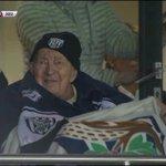 [#PL] Jack Jones, 107 ans et fan de @WBAFCofficial, ému après la victoire de son club face à Southampton. http://t.co/F8HGD02G8I