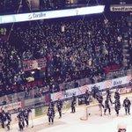 Kraftiga Stånkan-vibbar på Ståplats i Saab Arena i kväll. Härligt drag o visst gör publiken skillnad.#lhchockey http://t.co/rMJMn8m59i