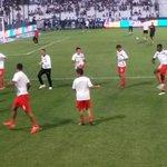 El plantel de #Independiente hace la entrada en calor a minutos del comienzo del partido ante #Quilmes. http://t.co/KfW1byXttp