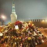 Следственный комитет не исключает, что убийство Немцова было организовано продавцами цветов: http://t.co/BvEDD2sbFi