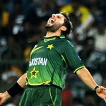 And when he does something, he roars like a lion @SAfridiOfficial http://t.co/3myLN2trMS