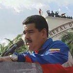 [AHORA] Pdte. @NicolasMaduro saluda al pueblo venezolano en Cadena Nacional http://t.co/XseyLuJCpV
