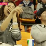 Kim So Eun cheers for Song Jae Rim at a basketball game on We Got Married http://t.co/Kj3217Snm4 http://t.co/zFcgGXk5Nq