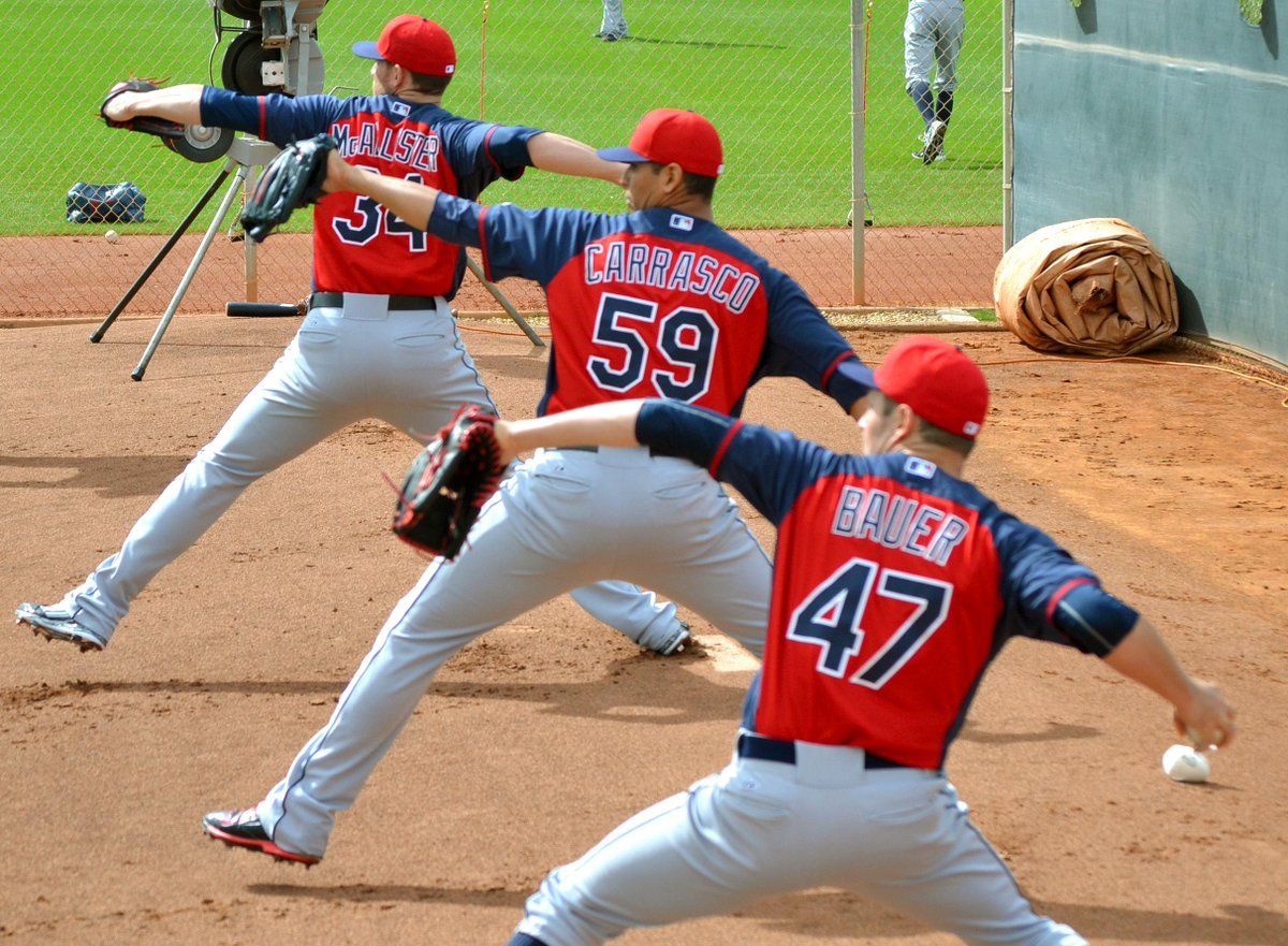That rare moment when the pitchers throwing 'pens are in sync. http://t.co/yEAJY9wZBE