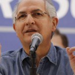 Lean el C.V del alcalde detenido en #Venezuela por golpista ???????????????? #UTNExclusivaVenezuela http://t.co/v1S1MgXYjv http://t.co/2TK4VZ8mV7