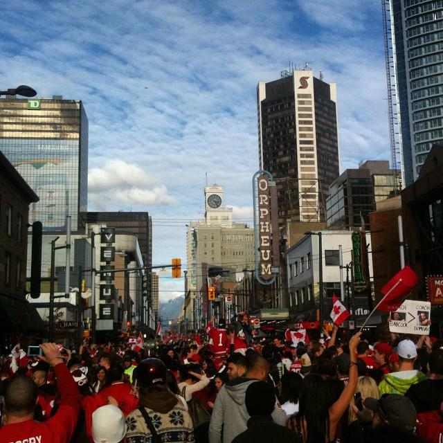 Remembering a similarly sunny February afternoon 5 yrs ago when #Canada won gold & #Vancouver exploded #Van2010 http://t.co/Udil62iHgc